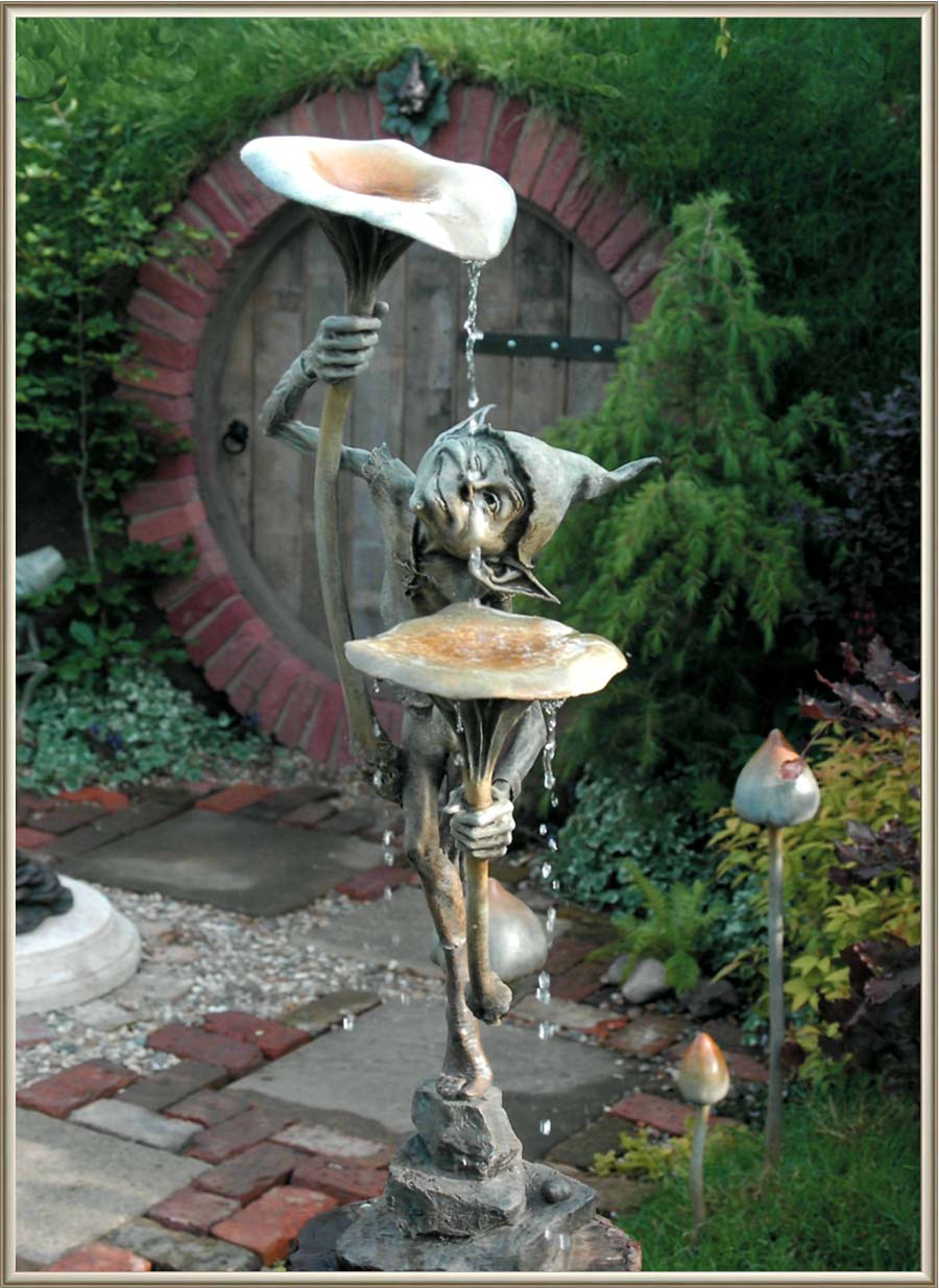 David Goode (b.  1966  in Oxford, where he now lives and works). Goblin with Mushrooms. Bronze. 105 cm. From brochure David Goode: Bronze Sculpture. http://www.david-goode.com/media/pdfs/DavidGoode_Catalogue.pdf